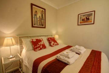 Spacious double rooms at Churston Way Lodge